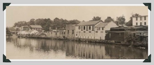 Until the mid-1950s, the Saugatuck River lapped up against the back of Main Street stores. Construction of the Parker Harding parking lot changed the river's currents substantially.