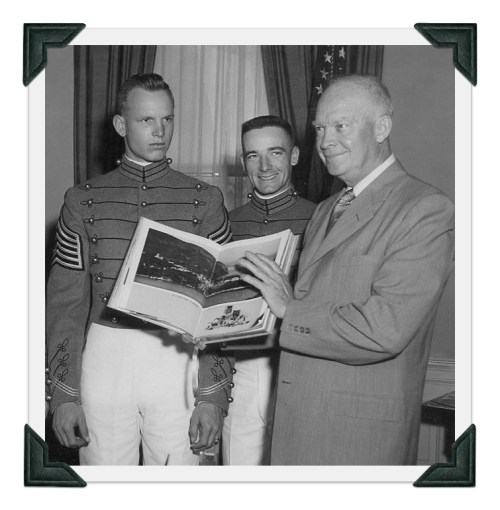 Bob Farris (left) and an Army teammate, with President Eisenhower at the White House.