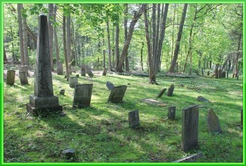 A hidden cemetery off Wilton Road. (Photo/Scott Smith)