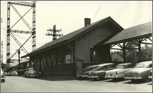 Train station 1950s eastbound - courtesy Debbie Rosenfield