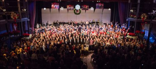 "Alumni joined current singers and orchestra members for a memorable ""Hallelujah Chorus."" (Photo/Kerry Long)"