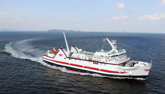 旅客船兼自動車航送船「椿」