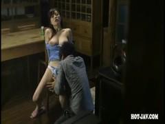 台所でこっそりセックスしてる清純系美巨乳美人妻の0938動画サンプル無料