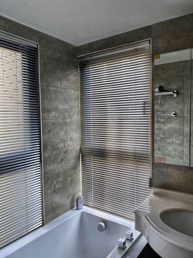 浴室鋁百葉簾 新竹窗簾推薦案例
