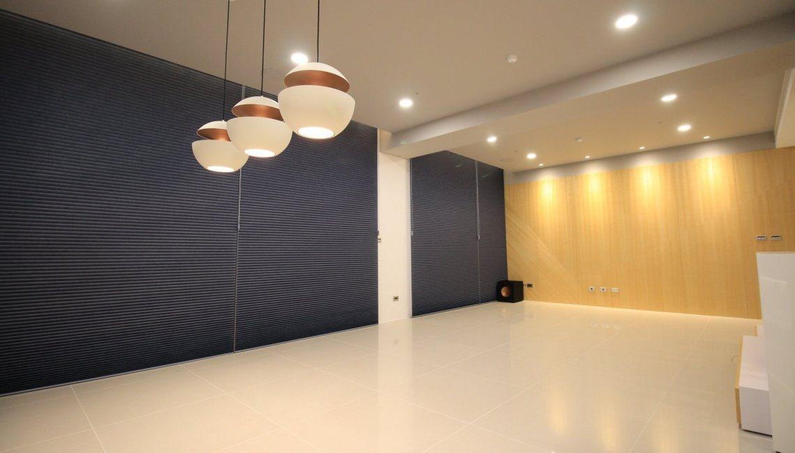 客廳窗簾設計 HunterDouglas風琴簾 台中市 南屯區 窗簾推薦 精選案例