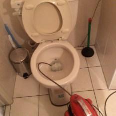 阿威通管行 馬桶 衛生棉 阻塞 馬桶不通