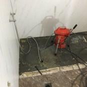 浴室水管不通_水泥堵塞