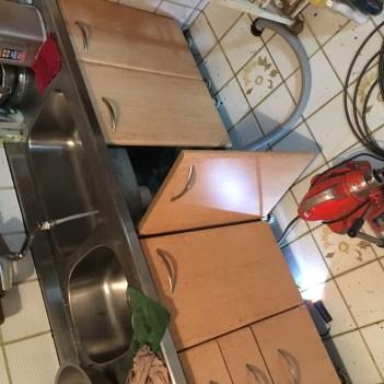 廚房流理台水管堵塞不通
