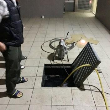 阿威通管行 測試大量注入水量以及測試排水無誤
