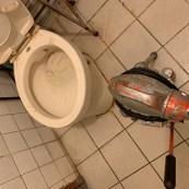 阿威通管行 豆腐砂導致馬桶不通