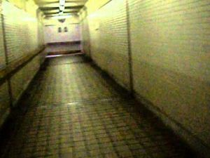 南富山駅地下道