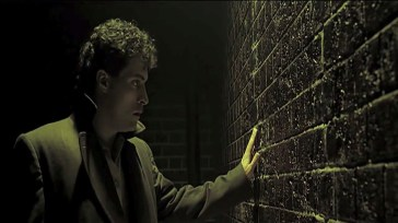rufus-sewell-as-john-murdoch-in-dark-city
