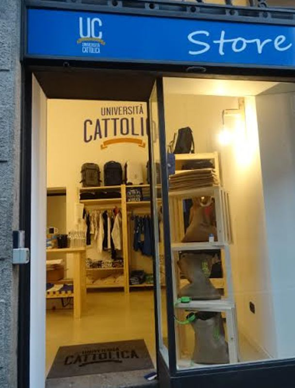 Apre Lo Store Della Cattolica A Milano Unazienda Di