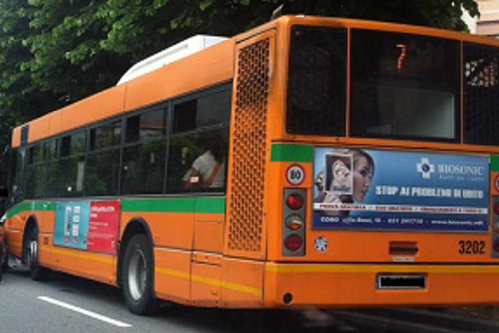 Autobus Riaprono Le Scuole Torna Lorario Invernale Con