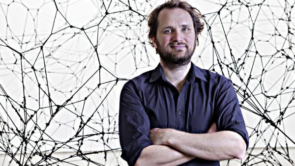 Tomás Saraceno, artista, architetto e performer