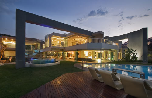 Glass House Nico VD Meulen 1 - THE MOST AMAZING GLASS HOUSE PICTURES THE MOST BEAUTIFUL HOUSES MADE OF GLASS IMAGES