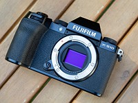 Fujifilm full review 10-W10: image-stabilized camera (almost) everything