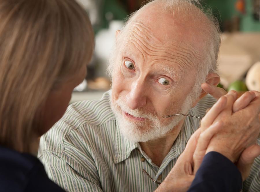 stary mężczyzna staruszek dziadek