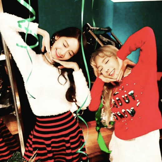 Girls' Generation's Taeyeon and YoonA Show Off Their Aegyo ...