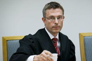 <p>BISTÅR: Advokat Morten Engesbak bistår den norske barnefaren sammen med advokat Mette Yvonne Larsen.</p>