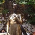 【イタリア・ヴェローナ】恋愛運アップ!ロミオとジュリエットの街ヴェローナにあるジュリエットの像に触れに行こう!|20.20