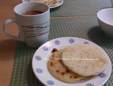 Hot chocolate and arepa for our weekend! <3