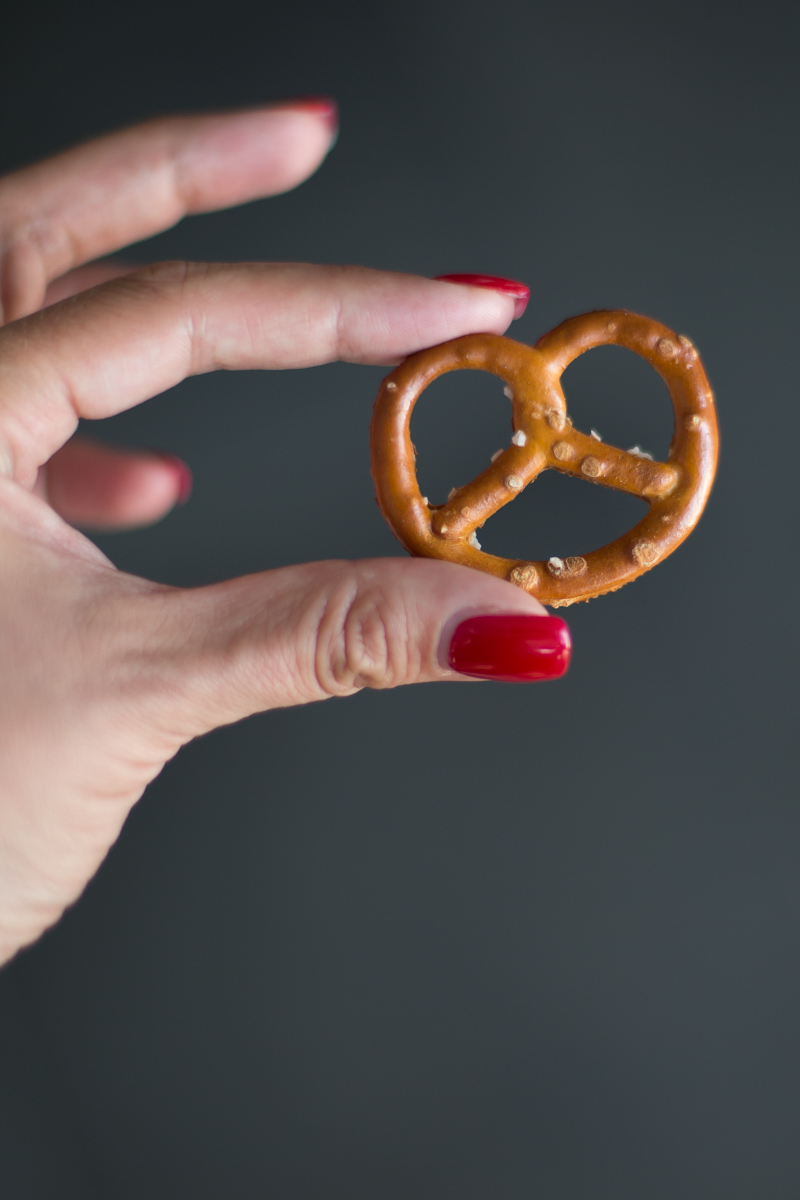 snack pretzel