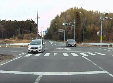 ここまで酷いのはなかなか見ないという危険運転が三重県津市で撮影される。
