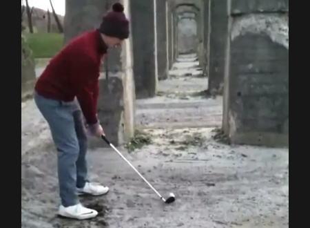 このゴルフのミスショットがなかなかミラクルでワロタ。予想したけど予想外www