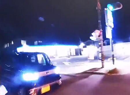 信号無視の軽自動車に横から突っ込まれたバイク乗りのヘルメットカメラ。
