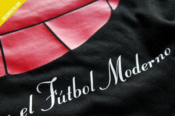 Camiseta contra el futbol moderno