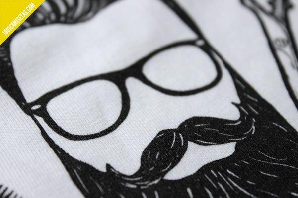 Camiseta bigote
