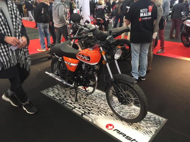 moto orange