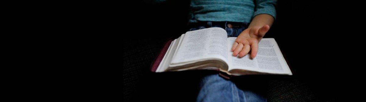La Bible dit que nous sommes mis à part dès le sein de notre mère, choisis par Dieu comme Israël, et d'autre part que le salut est offert à tous en J.-C. Quelle est notre part dans tout ça? [Manu]