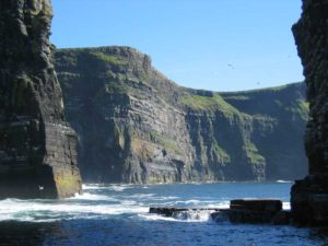 Cliffs of Moher vom Meer aus ©Cliffs of Moher