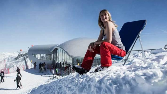 Pulverschnee im Frühjahr, Skifahren bei Sonnenschein und coole Events