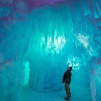 Märchenschloss aus Eis im winterlichen Winnipeg
