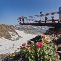 Sommervergnügen im ewigen Eis am Stubaier Gletscher