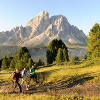 Drei Naturparks und sieben Täler mit Dolomitenblick