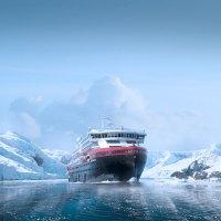 Taufe in der Antarktis – Weltpremiere für das weltweit erste Hybrid-Expeditionsschiff