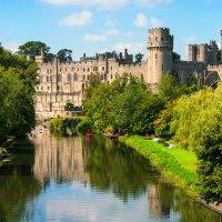 Entlang Englands Kanälen in die Vergangenheit reisen