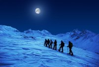 Winter-Nacht-Aktivitäten im Oberengadin