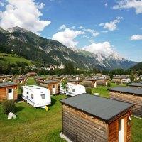 Im rollenden Wohnzimmer an dem Arlberg