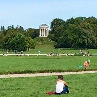Rikscha-Fahrt im Münchener Englischen Garten