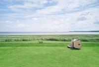Glamping an der Nordsee: Tausche Zelt gegen Baumhaus