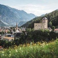 Neuer Themenweg der Tiroler Burgenweg