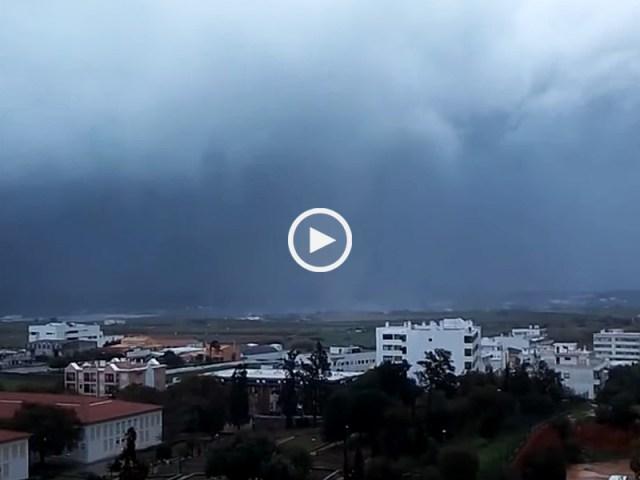 Oh my God, aquilo é um tornado