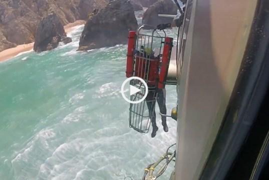 Força Aérea resgata homem na Praia da Ursa