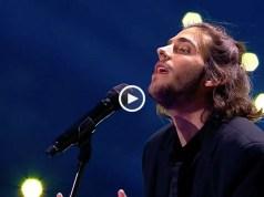 Salvador Sobral tem uma nova música: Cerca del Mar