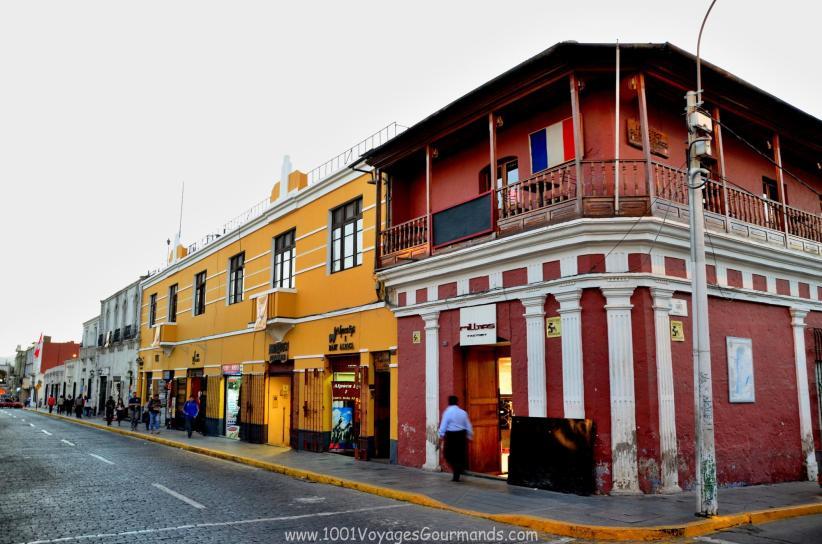 Koloniální město Arequipa leží na úpatí sopky Misti a je vstupní bránou do údolí Colca. Co je k vidění v bílém městě Arequipa, Peru.